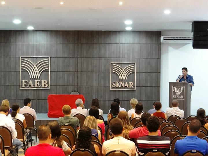 Para_o_presidente_da_ACELEM,_Carlinhos_Pierozan,_a_Oficina   do Empreendedor é uma grande oportunidade para capacitar não só os empresários mas também o trabalhador da cidade.