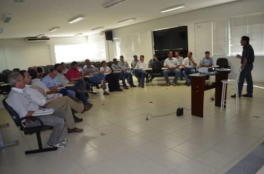 O pesquisadora da Esalq, Celso Omoto, relatou resultados de pesquisas feitas na região