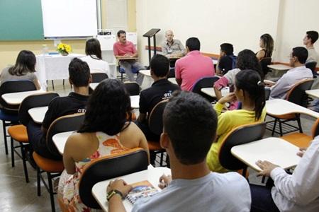 24.03.15_Reunião_entre_acadêmicos_e_empresas_do_transpor te_coletivo_de_Barreirastexto