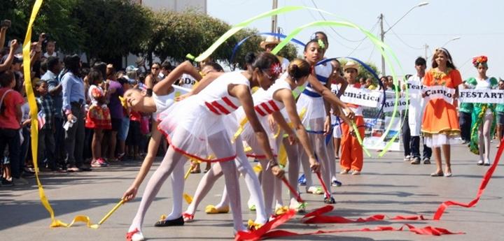 Desfile de 7 de setembro de Luís Eduardo Magalhães - 3texto