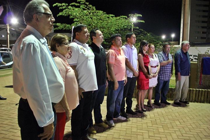 O deputado estadual, Antonio Henrique Junior e secretários de governo participaram do ato